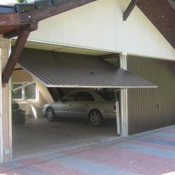 Brama Uchylna 2000 x 2000 Mahoń