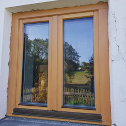 Okno drewniane 1500 x 1500 mm